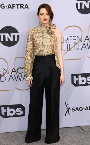 rs_634x1024-190127164633-634-2019-sag-awards-red-carpet-fashions-emma-stone