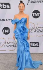 rs_634x1024-190127170337-634-2019-sag-awards-red-carpet-fashions-cara-santana