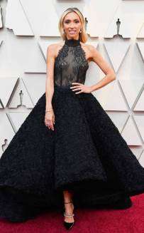 rs_634x1024-190224134712-634-2019-oscar-academy-awards-red-carpet-fashions-Giuliana-Rancic