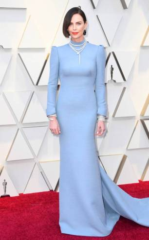 rs_634x1024-190224160807-634-2019-oscar-academy-awards-red-carpet-fashions0charlize-theron