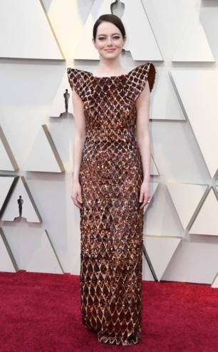 rs_634x1024-190224162627-634-2019-oscar-academy-awards-red-carpet-fashions-emma-stone.cm.22419