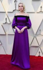 rs_634x1024-190224162712-634-2019-oscar-academy-awards-red-carpet-fashions-lucy-boynton