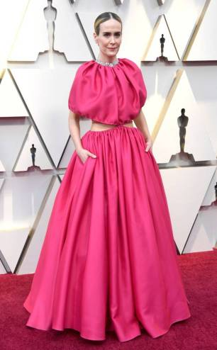 rs_634x1024-190224163026-634-2019-oscar-academy-awards-red-carpet-fashions-sarah-paulson.cm.22419