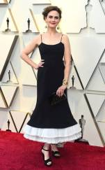 rs_634x1024-190224174444-634-2019-oscar-academy-awards-red-carpet-fashions-emily-deschanel.cm.22419