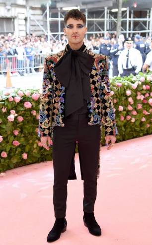 rs_634x1024-190506155826-634-2019-met-gala-red-carpet-fashions-Darren-Criss