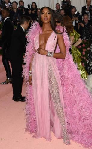 rs_634x1024-190506172449-634-naomi-campbell-2019-met-gala-red-carpet-fashions