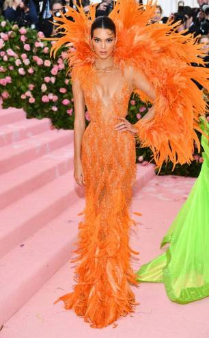 rs_634x1024-190506173316-634-kendall-jenner-2019-met-gala-red-carpet-fashions