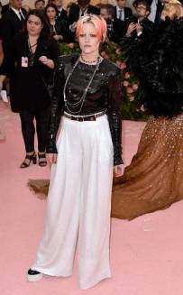 rs_634x1024-190506173801-634-kristen-stewart-2019-met-gala-red-carpet-fashions