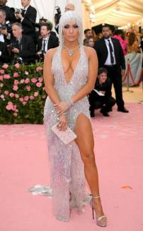 rs_634x1024-190506175614-634-2019-met-gala-red-carpet-fashions-jennifer-lopez