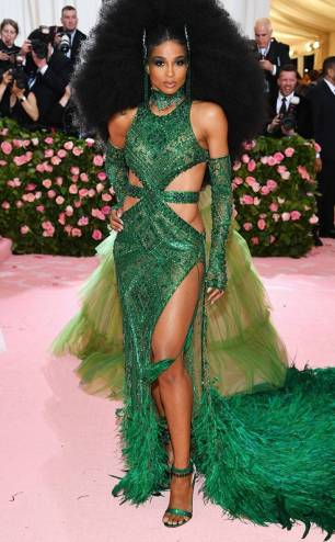 rs_634x1024-190506180941-634.ciara-2019-met-gala-red-carpet-fashions.ct.050619