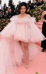 rs_634x1024-190506190123-634-lana-condor-2019-met-gala-red-carpet-fashions