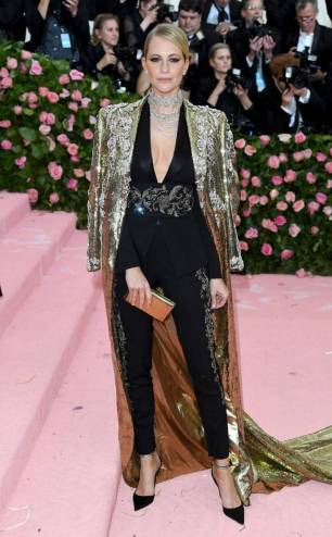 rs_634x1024-190506193436-634-poppy-delevingne-2019-met-gala-red-carpet-fashions
