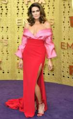 rs_634x1024-190922160229-634-mandy-moore-2019-Emmy-Awards-red-carpet-fashion