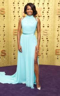 rs_634x1024-190922160503-634-2019-Emmy-Awards-red-carpet-fashion-regina-king-me-92219