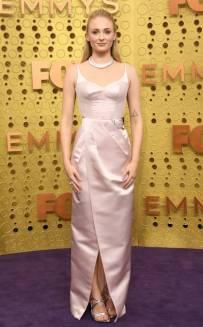 rs_634x1024-190922162445-634-2019-Emmy-Awards-red-carpet-fashion-sophie-turner