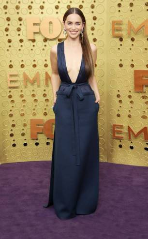 rs_634x1024-190922163612-634-2019-Emmy-Awards-red-carpet-fashion-emilia-clarke-me-92219