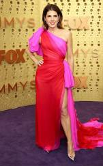 rs_634x1024-190922164636-634-marisa-tomei-2019-Emmy-Awards-red-carpet-fashion.ct.092219