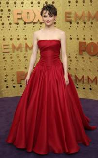 rs_634x1024-190922165132-634-Joey-King-2019-Emmy-Awards-2019-Emmys-Red-Carpet-Fashion