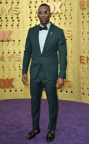 rs_634x1024-190922170223-634-mahershala-ali-2019-Emmy-Awards-red-carpet-fashion