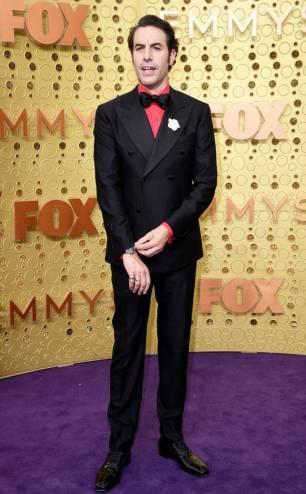 rs_634x1024-190922171100-634-Sacha-Baron-Cohen-2019-Emmy-Awards-2019-Emmys-Red-Carpet-Fashion