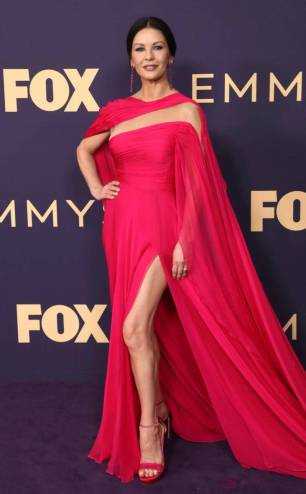 rs_634x1024-190923120002-634-2019-Emmy-Awards-red-carpet-fashion-catherine-zeta-jones
