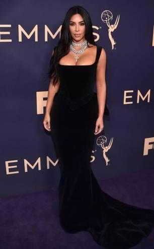 rs_634x1024-190923120145-634-2019-Emmy-Awards-red-carpet-fashion-kim-kardashian